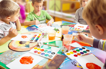 Cross-cultural differences between preschoolers' play and parental attitudes