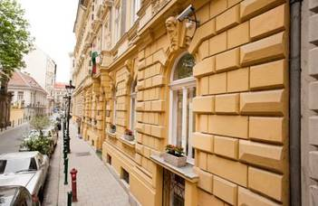 ELTE guest house, hotels