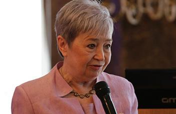 Dr. Bányai Éva pszichológus, professor emeritus (ELTE PPK) hipnóziskutatásairól tart előadást.