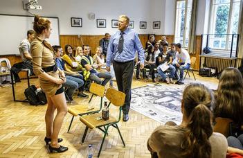 A Mentőcsónak interaktív színházi társasjátéka a Társadalomtudományi Kar szervezésében.