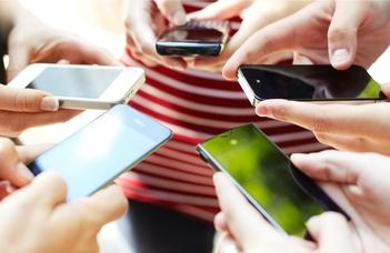 Mobilhiány és stressz összefüggései
