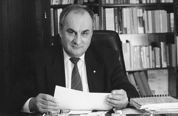 Németh János (1933–2021)