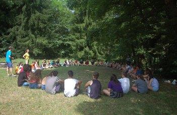 Pályaválasztást segítő tábor 9–11. osztályos diákoknak ELTE-s hallgatók közreműködésével.