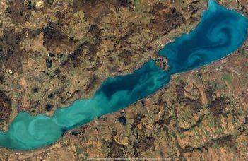 Látta már a Balaton színeit a világűrből? (Veol.hu)