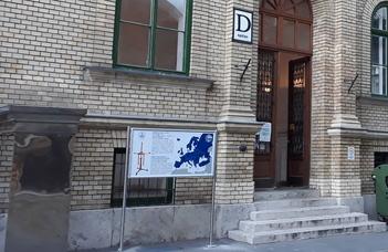 FIZIKATÖRTÉNETI EMLÉKHELYET AVATTAK A TREFORT-KERTBEN