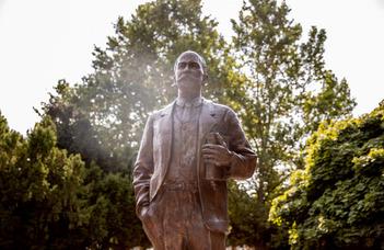 Szobrot állítottak Szladits Károly tiszteletére Dunaszerdahelyen