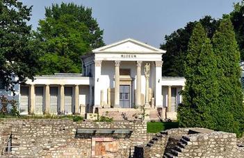 Szakértő tárlatvezetővel a helytartói palota emlékanyagát és az aquincumi víziorgonát tekintjük meg.
