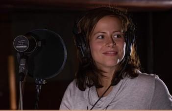 """Jéger Dorottya énekes-zeneterapeuta előadása az """"Ajtónyitás a zeneterápiára"""" sorozatban."""