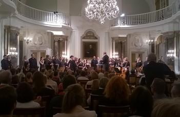 Telt házas koncert az Aula Magnában