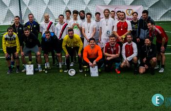 Régi idők focija nyerte a IX. Alumni Kupát