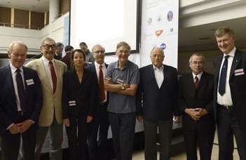 Konferencia a molekuláris tudományok népszerűsítésére (Híradó.hu)