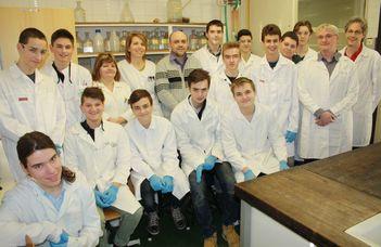 Ionvadász gimnazisták a Kémiai Intézetben