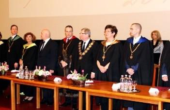 Keresztféléves diplomaosztó ünnepségek az ELTE-n