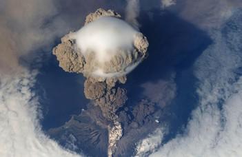 Világjáró vulkáni hamufelhők változó klímánkban