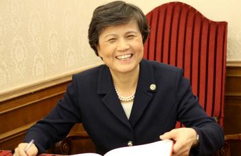 Xu Lin az ELTE új díszdoktora