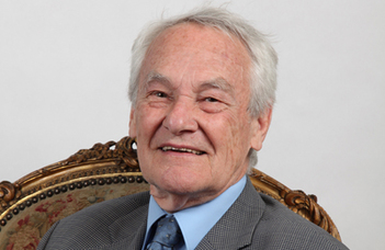 Elhunyt Kiefer Ferenc nyelvész
