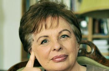 A költészet rejtelmei – Interjú Rakovszky Zsuzsával