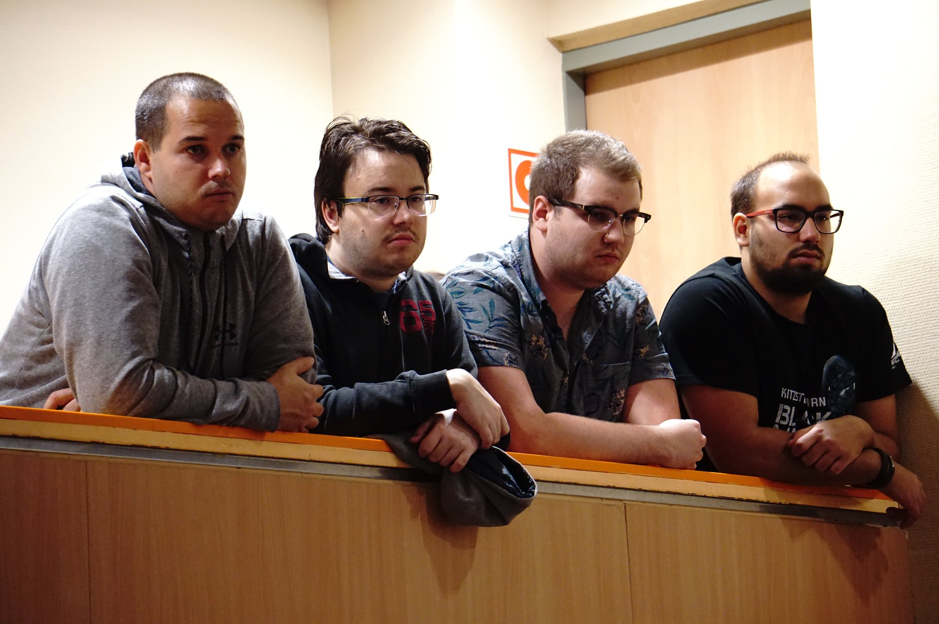 találkozó méltó férfiak letöltés)