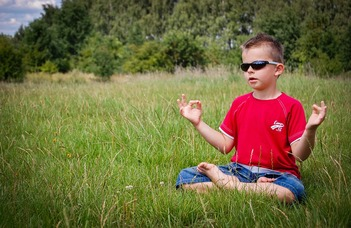 Meditációval javítható a gyermekkori figyelemzavar