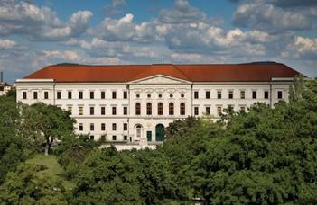 Az ELTE Nyugdíjas Klub látogatást szervez a Nemzeti Közszolgálati Egyetem épületének megtekintésére.