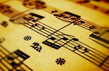 Műfordítás – dalművek – műdalok