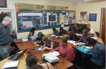 A Rhodes University-n tartottak kurzust az ELTE oktatói