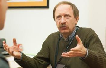 Dr. Papp Gábor tart vetített képes előadást az ELTE Nyugdíjasklubban.