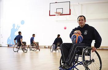 Az Egyetemi Sportnap keretében a parasportokkal ismerkedhetnek a hallgatók.