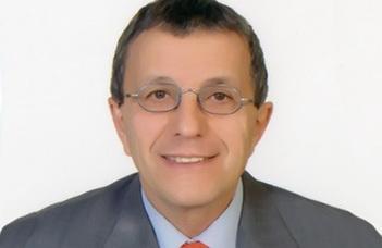 Medgyes Péter, a BTK professor emeritusa, korábbi damaszkuszi nagykövet tart előadást.