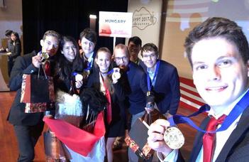Magyar diákok sikere Szingapúrban
