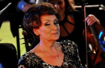 A Magyar Operaház magánénekese mellett barátai is fellépnek az Aula Magnában.