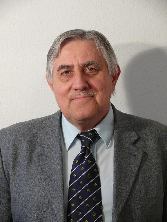Szögi László