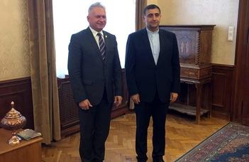 Az iráni nagykövet az ELTE rektoránál