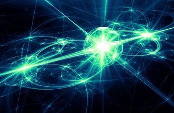 """Asbóth János fizikus előadása """"Az atomoktól a csillagokig"""" sorozatban."""