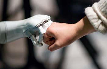 Ingyenes online kurzus indul a mesterséges intelligenciáról (Vg.hu)