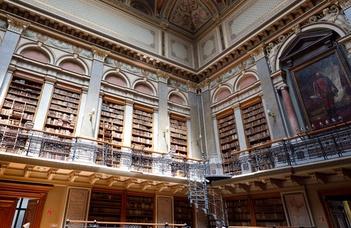 Muzeális értékű könyvek örökbefogadása az Egyetemi Könyvtárban