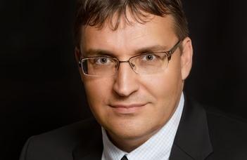Interjú Scheuer Gyula kancellárral