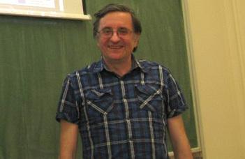 Neves matematikai lap szerkesztője lett Szőnyi Tamás
