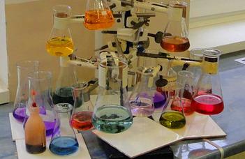 Alumni találkozó vegyészeknek és kémiatanároknak