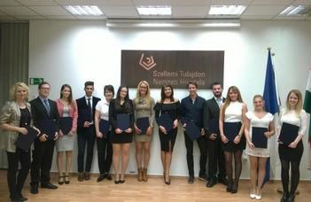 Ujvári János diplomadíjat kapott joghallgatónk