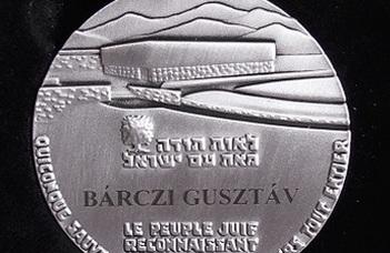 Világ Igaza kitüntetés Bárczi Gusztávnak