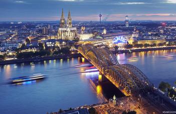 Nyári egyetem Kölnben és Barcelonában