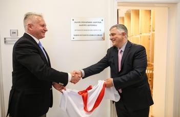 Megnyílt az ELTE BTK Grúz Könyvtár