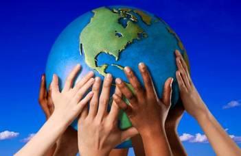 Konferencia etnikumok és kultúrák találkozásáról.