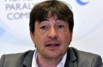 A Magyar Paralimpiai Bizottság elnöke, Szabó László tart előadást.